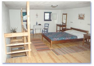 A Traditional Apartment At Kastro Antiparos Vacations In Cyclades Islands Travelling Greece